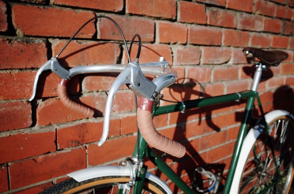 Handlebars, brake levers and frame/saddle
