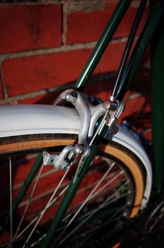 Rear brake calliper